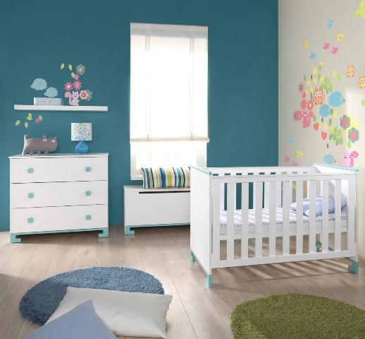 chambre bebe bleu lagon pr l vement d. Black Bedroom Furniture Sets. Home Design Ideas