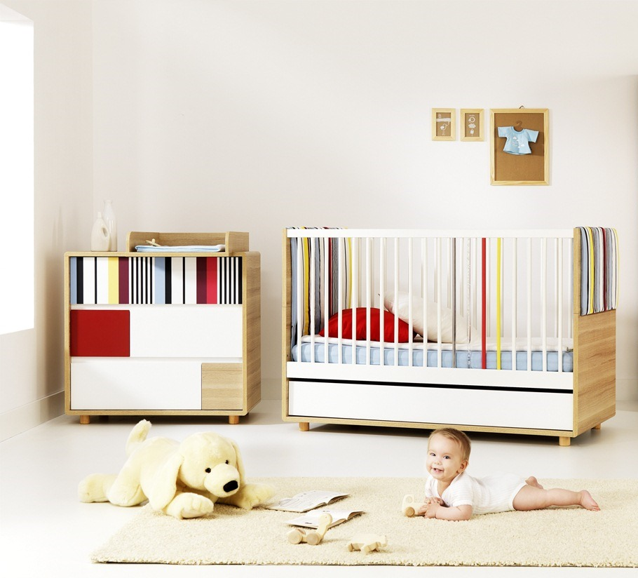 baby vox evolve 2 meubles lit 140x70 avec tiroir. Black Bedroom Furniture Sets. Home Design Ideas