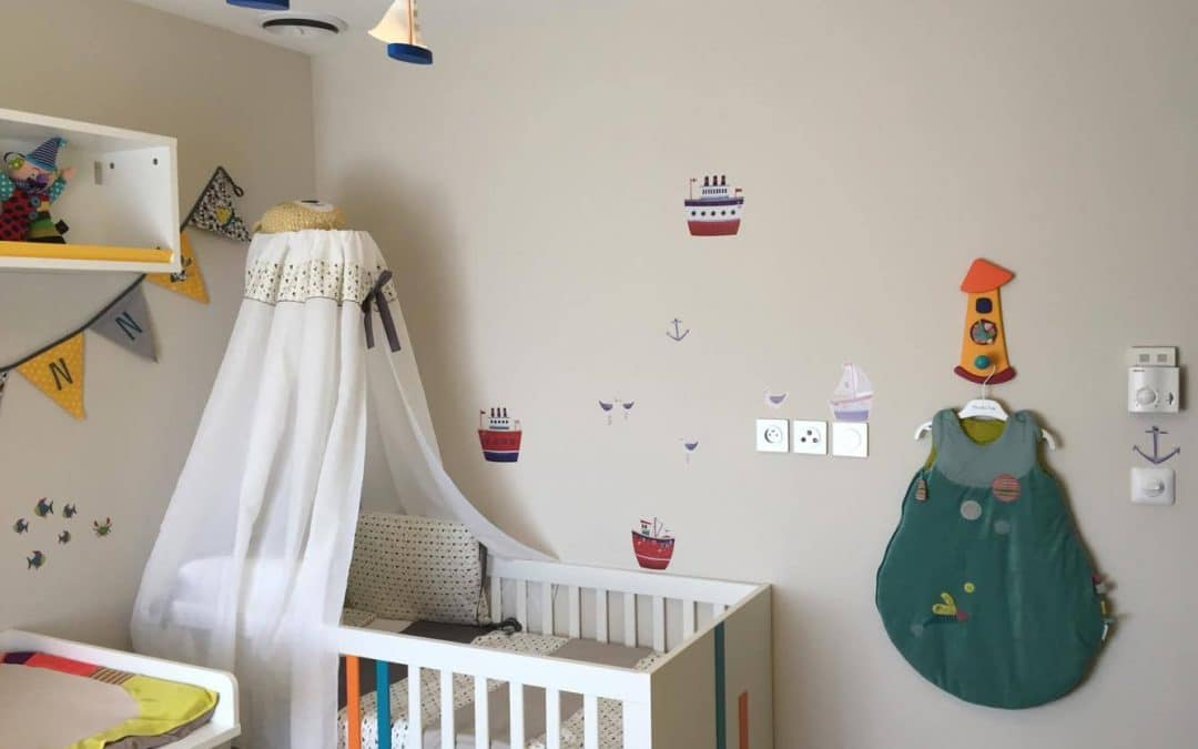 Chambre bébé évolutive Hometown Blanche à l'honneur grâce à la gentillesse d'un très fidèle client de BABY-MANIA.COM du sud de la France très satisfait